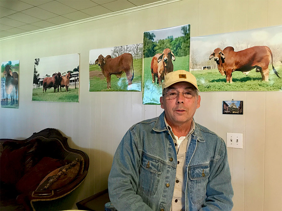 FI-Thanks-to-Jorge-Damm-of-Monterrey,-Mexico-for-his-visit-to-HK-Cattle
